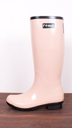 A Sadie Robertson original in the Classic Roma style, these rain boots blend fashion, philanthropy and fun into stylish, comfortable and durable all weather footwear. For every pair of Roma Boots sold