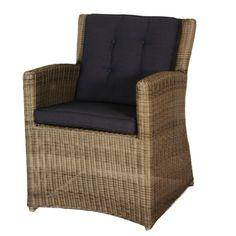 Wicker Tuinstoel Jack is een ware aanwinst voor in uw tuin. Het is een ruime en zeer comfortabele stoel die past bij iedere tafel. Dankzij het gebruik van wicker is de Tuinstoel Jack ook zeer gemakkelijk in onderhoud. U kunt bijvoorbeeld de Eden vlechtwerk reiniger gebruiken voor het schoonmaken van de Tuinstoel Jack. #Tuinstoel #Tuinstoelen #tuinmeubelen #tuinmeubel #tuinmeubels