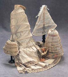 Poupee bustles and petticoats