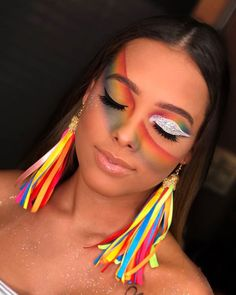 Rainbow-themed colorful carnival make-up Crazy Makeup, Glam Makeup, Eye Makeup, Hair Makeup, Makeup Art, Makeup Ideas, Gothic Makeup, Glitter Carnaval, Make Carnaval