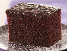 Easy Chocolate Snack Cake This looks delicious for an after-school treat! Cake Mix Recipes, Dessert Recipes, Dessert Ideas, Yummy Snacks, Delicious Desserts, Cake Mix Coffee Cake, Fondant, Chocolate Flavors, Chocolate Desserts