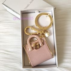 SALEMICHAEL Michael Kors Hamilton Key Fob  Perfect as a gift!! MICHAEL MK Hamilton Key Fob  Color: Pink and gold   Please no trades or PP MICHAEL Michael Kors Accessories Key & Card Holders