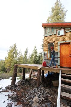 Tim and Hannah's Affordable DIY Self-Sustainable Micro Cabin — House Tour | Apartment Therapy
