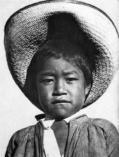 Bambino con un largo cappello, 1927-28  by Tina Modotti, Photographer