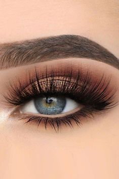 30 Hochzeit Make-up-Ideen für blaue Augen , 39 Top Rose Gold Makeup Ideas To Look Like A Prom Makeup Looks That Will Make You the Belle of the Sexy Eye Make Up Looks for Brown Eyes to Give… Blue Eye Makeup, Smokey Eye Makeup, Eyeshadow Makeup, Eyeshadows, Eyeshadow Blue Eyes, Makeup Looks Blue Eyes, Wedding Makeup For Blue Eyes, Eye Makeup For Prom, Makeup For Blue Dress