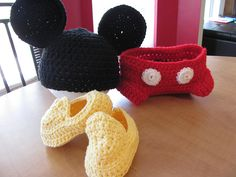 Baby Boy's Mini-Mickey Halloween Costume. Crochet Hat, Diaper Cover and Booties. Available by special request through http://www.etsy.com/shop/evellynnsmommy and www.Facebook.com/CozyBabyHats