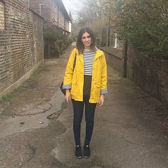 It's a bright yellow raincoat kinda day ☔️•Topshop•