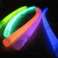 Glow ışıklı çubuk ile en güzel partiler