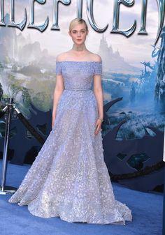 Elle Fanning vestido azul Bela Adormecida