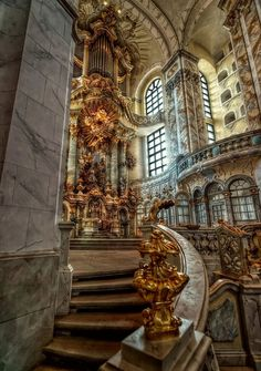 interior view of the Frauenkirche in Dresden.