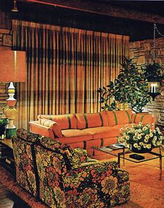 Best Retro Styles Living Room That Changes Your Home - Home of Pondo - Home Design Home Design, Retro Interior Design, Classic Interior, Design Design, 1970s Decor, 70s Home Decor, Vintage Industrial Decor, Vintage Decor, Industrial Style