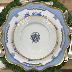 Vintage China Sasha Nicholas Custom Monogrammed China - The Glam Pad - Sasha Nicholas custom monogramed fine china porcelain personalized dinnerware family crest tableware tabletop dining crystal Blue And White China, Blue China, China China, Herend China, Beautiful Table Settings, China Sets, Dinnerware Sets, Vintage Dinnerware, Dinner Sets