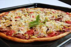 Kvalitu tohoto těsta ocení každý. Nejenom, že jde o báječné těsto, které se vždycky povede, ale jeho příprava je tak snadná, že zdomácní téměř v každé rodině. Navíc je velice variabilní. Stačí si zapamatovat pár uvedených surovin a náš jídelníček je rázem obohacen o spoustu rozmanitých pokrmů. Stačí jen zapojit fantazii. Hawaiian Pizza, Vegetable Pizza, Vegetables, Food, Essen, Vegetable Recipes, Meals, Yemek, Veggies