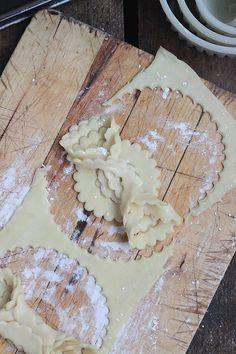 Parmi les articles les plus consultés sur le blog depuis sa création trône la recette des grewech, va savoir pourquoi les pâtisseries emmi...