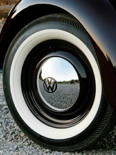 Volkswagen Beetle --- Getting these for my VW Bug Auto Volkswagen, T3 Vw, Volkswagen New Beetle, Volkswagon Bug, Beetle Car, Vw Bugs, Velo Vintage, Vintage Cars, Carros Vw
