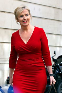 The Fappening 2019 Leaked iCloud Nude Celebrity Private Photos and Videos Carol Kirkwood, Sexy Older Women, Old Women, Sexy Women, Beautiful Old Woman, Gorgeous Women, Beautiful Celebrities, Sexy Outfits, Video Show