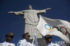 Unpaid volunteers worth millions to Olympic Games and Rio de Janeiro 2016 organizers Get In The Mood, Volunteer Programs, Swim Shop, Olympic Games, South America, Olympics, Brazil, Rio