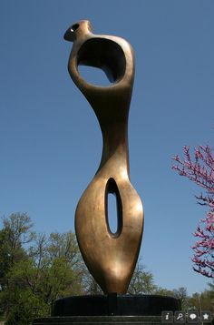 Outdoor #Sculpture by Henry Moore