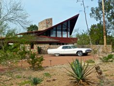 Jorgine Boomer Residence by Frank Lloyd Wright. Paradise Valley, AZ 1953.  Great FLW blog.
