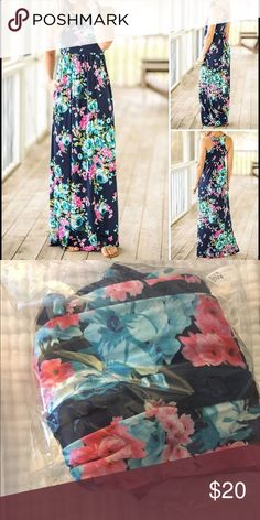 bellelilli maxi dress size small ordered online, size small- the pattern looked different than shown in online photo, however the dress is still in package, NWT perfect condition! offers always welcome - fast shipping smoke and pet free bellelilli  Dresses Maxi