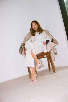 Aimee Song   White Button-Down Outfits   White Shirt Style White Button Down Outfit, White Button Up, Song Of Style, Mom Style, Simple Style, New York Street Style, Snakeskin Boots, Autumn Fashion, Spring Fashion