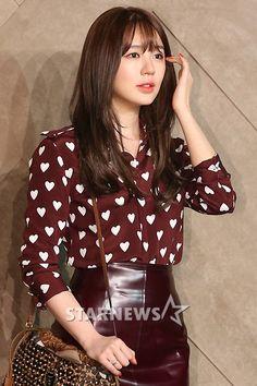 yoon eun hye Kpop Fashion, Girl Fashion, Fashion Outfits, Fashion Clothes, Street Jeans, Kdrama, Cute Korean Fashion, Style Ulzzang, Yoon Eun Hye