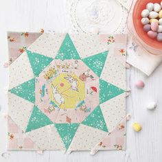 A Little Happy Place: English Paper Piecing ~ Queens Walk Quilt English Paper Piecing, Diy Tutorial, Quilt Blocks, Quilt Patterns, Projects To Try, Messages, Quilts, Paper Packs, Blossoms