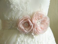 Wedding ivory sash Blush wedding sash Ivory wedding sash Blush wedding flower Champagne wedding sash Blush ivory wedding Blush wedding dress