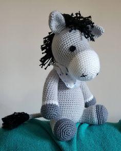 Mesmerizing Crochet an Amigurumi Rabbit Ideas. Lovely Crochet an Amigurumi Rabbit Ideas. Crochet Coaster Pattern, Crochet Patterns Amigurumi, Amigurumi Tutorial, Crochet Horse, Crochet Animals, Easy Crochet Projects, Crochet Decoration, Cute Crochet, Donkeys