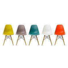 Vitra DSW Plastic Side Chair | Buy Vitra at ferriousonline.co.uk