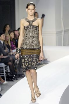See the complete Oscar de la Renta Spring 2008 Ready-to-Wear collection.