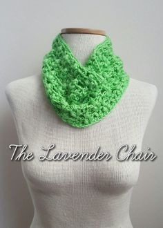 Clover Puff Cowl Main - Free Crochet Pattern - The Lavender Chair