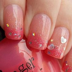Valentine's Day Nail Art Designs to Fall in Love with! Sparkly Valentine's Day Gradient NailsSparkly Valentine's Day Gradient Nails Great Nails, Cute Nail Art, Fabulous Nails, Gorgeous Nails, Love Nails, Perfect Nails, Simple Nails, Frensh Nails, Gradient Nails