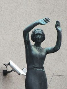 Eilisen Helsinki valokuvissani: Wäinö Aaltonen: Sarastus, Helsingin patsaita 11.03.2016 Helsinki, Finland, Buddha, Sculpture, Statue, Landscape, Outdoor Decor, 1980s, Photography