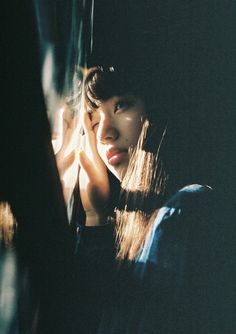 pinned by // portrait // girl // photography Style Ulzzang, Ulzzang Girl, Film Photography, Fashion Photography, Window Photography, Photography Ideas, Kreative Portraits, Komatsu Nana, Portrait Inspiration