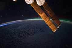 Starry Night and Aurora via NASA http://ift.tt/2s5Udf4