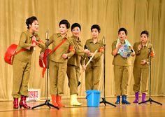 군인가족예술소조공연 진행-《조선의 오늘》