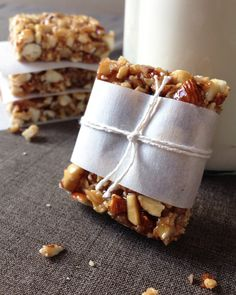 31. Orange Honey Nut Bars #bars #cheap #recipes http://greatist.com/eat/diy-energy-protein-bar-recipes