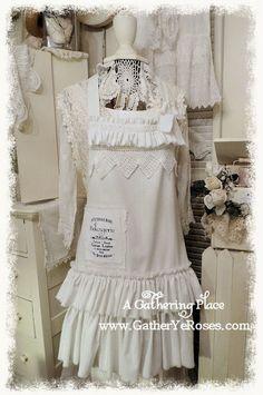Gorgeous apron...   Gatheryeroses is a beautiful site..