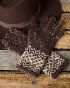 Someday I have to try stranded colorwork. I really like these gloves in natural colors.