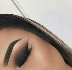Imagem de makeup, eyebrows, and eyeliner