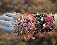 Versailles--gauntlet brassard poignet ornés luxueux avec broderie et perles