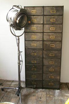 ancien grand meuble 20 casiers industriel a clapet roneo 1940