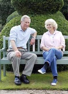 PHOTOS Charles and Camilla - HRH The Prince of Wales and the Duchess of Cornwall in their Gloucestershire garden