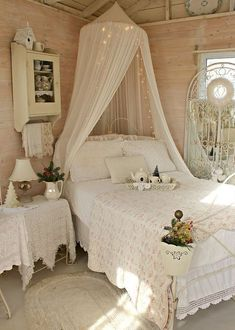 20 Sweet Shabby Chic Bedroom Designs You'll Feel Fall In Love #shabbychicfurniture