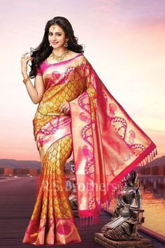 Beautiful Saree, Beautiful Indian Actress, Beautiful Outfits, Lovely Dresses, Indian Bridal Sarees, Indian Beauty Saree, Wedding Sarees, Online Shopping Sarees, Saree Photoshoot