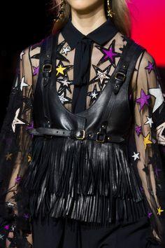 Elie Saab at Paris Fashion Week Spring 2017 - Details Runway Photos