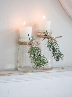 Cozy and Natural Christmas Living Room Tour a warm and cozy living room decorated for Christmas. Neutral furnishings with pops of blue, natural evergreens, and vintage and thrifted finds. - Cozy and Natural Christmas Living Room - Saw Nail and Paint Christmas Living Rooms, Cozy Living Rooms, Christmas Bathroom Decor, Christmas Lounge, Diy Christmas Home Decor, Cottage Christmas, Christmas Bedroom, Noel Christmas, Christmas Crafts