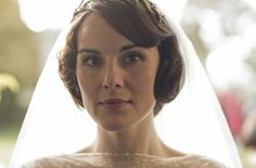 Mary has a simple bridal makeup look with a bit of '20s flair.