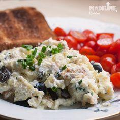Omleta cu ricotta si masline/ Ricotta and olive omelet - Madeline's Cuisine